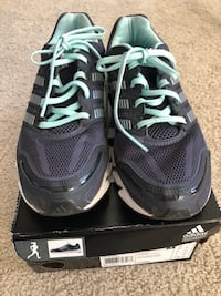 Adidas runners shoes size us:7