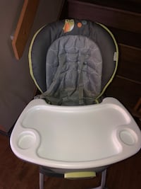 baby's white and gray high chair Montréal, H3V 1H1