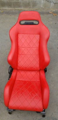 red and black leather armchair Mabton, 98935