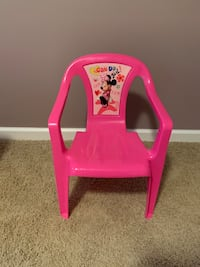 Minnie Mouse plastic chair