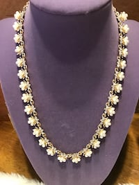 Beautiful Gold Pearl & Crystal Necklace Gainesville, 20155
