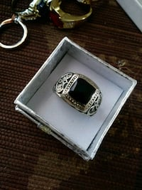Black Onyx Men's Silver band sz8..  Albuquerque, 87109