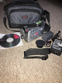 Canon Digital Video Camcorder with carry bag and more. Works. Scranton