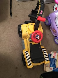 toddler's red and yellow trike Mission, 78574