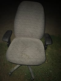 black and gray office rolling chair Franklin, 17742
