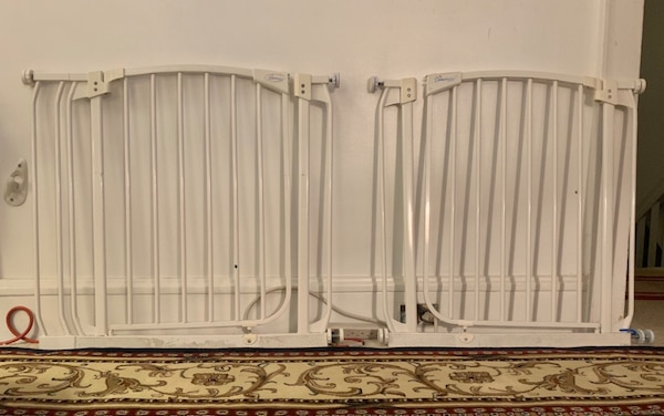 Dream Baby white metal baby/pet gates a2a9d524-864a-4340-951f-570c8172eecd