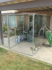 Large dog run Victorville, 92392