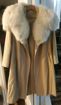 Cashmere coat with fur trim  Laurel, 20708