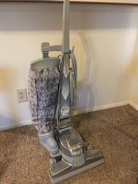gray and black upright vacuum cleaner Tulsa, 74137