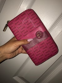 Authentic Tory Burch Wallet Toronto, M2N