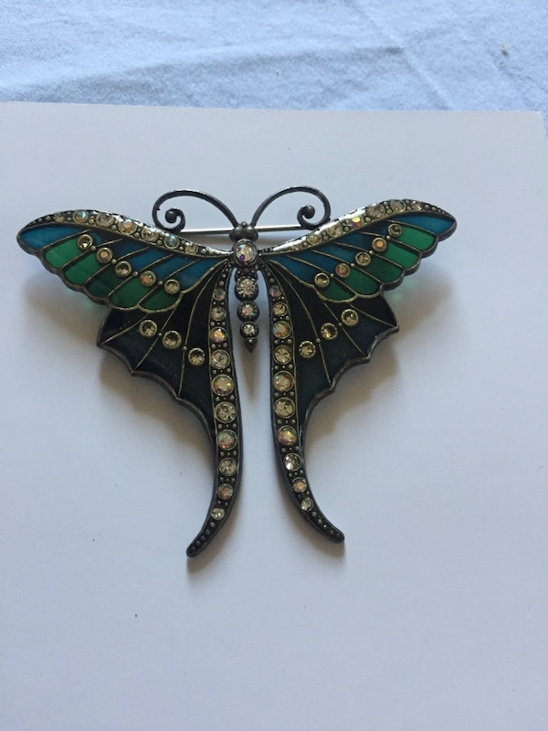 Stained glass butterfly brooch edfada2d-83c3-478e-a292-6d9bd783c112