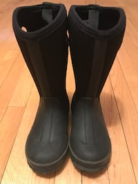 Kamik kids rain boots size 1 used two times like new  Montréal, H1G 5Z4