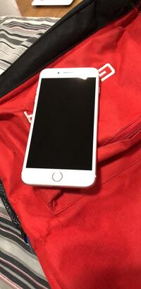 Iphone 7 32gb plus unlocked. in good condition Laval, H7V 3C3