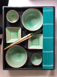 Sushi rolling/serving set Fishers, 46037