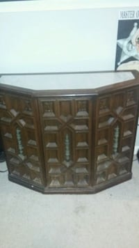 Antique looking cabinet Frederick, 21703