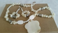 Necklace and Earrings. Manteca