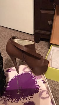 Brown open toe platform heels.  North Richland Hills, 76117