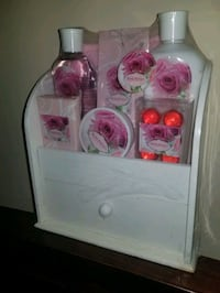 Rose Petals bath gift set
