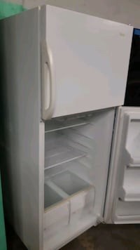 Top and bottom fridge works perfectly