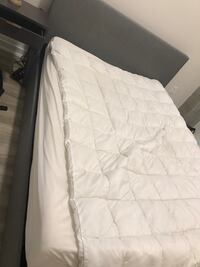 Queen bed for sale in Baltimore  null