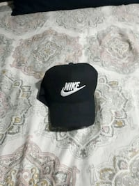 black and white Nike cap Calgary, T3B 0N3
