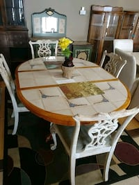 Country Style Table w/ Chairs Lee's Summit, 64081