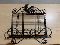 Rooster wire shelf