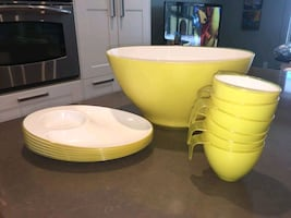 Plastic cup and bowl set