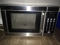 Black and gray microwave oven London, N5Y 4R5