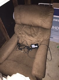 La-Z-Boy Pinnacle Electric Chair Potomac, 20854