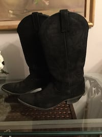 pair of black leather cowboy boots Pickering, L1X 2P3