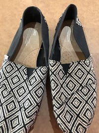 Men's Toms shoes , size 11w Brampton