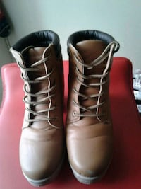 Womans Brown fall boots with heel Kingston, K7M 6A5