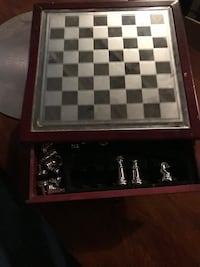gray and black chess game set