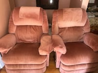 2 lazyboy recliners swivel and rock Virginia Beach, 23464