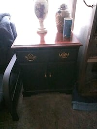 End tables 1 square 1 round Findlay, 45840