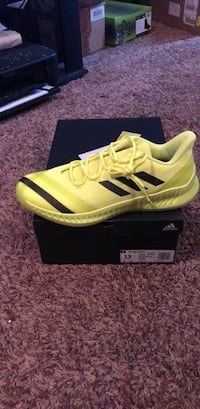 pair of yellow Adidas low-top sneakers with box Oklahoma City, 73012
