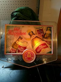 Old Milwaukee beer table decor Middletown, 45042