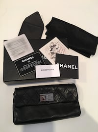 Authentic Chanel clutch 3728 km