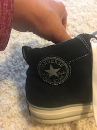 Men's White and black converse size 10.5