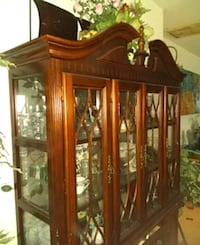 China cabinet with glass display cabinet Dallas, 75241