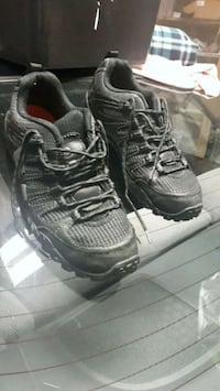 pair of black-and-gray running shoes Port Coquitlam, V3C