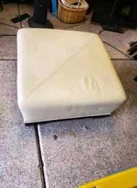 Ottoman Footstool with wheels Las Vegas, 89122