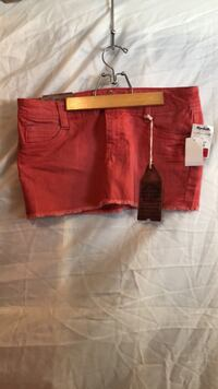 Wallflower jean mini skirt never worn size11 West Des Moines, 50265