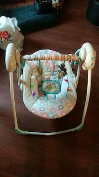 Portable baby swing  Painesville, 44077