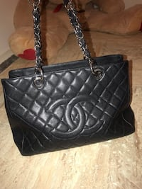 Chanel Tote 2010 14 series in 6/10 condition  Markham, L6B 1B5