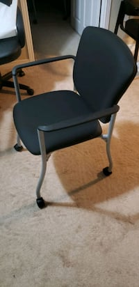 Office chair with wheels  Oakville, L6H 6P8
