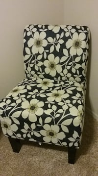 Chair blue and white flowers Dayton