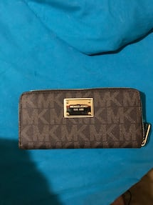 BRAND NEW MICHAEL KORS WALLET WITH TAGS