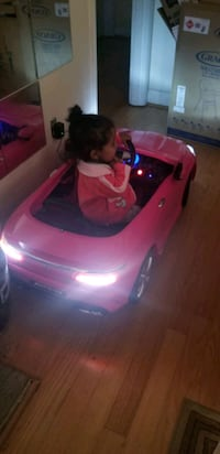 Pink Mercedes amg ride on car